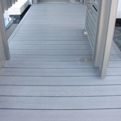 plastic-woo-decking