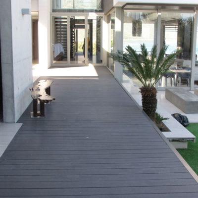 walkway-plastic-decking